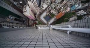 Camminare sui bordi dei grattacieli. Vertigini.